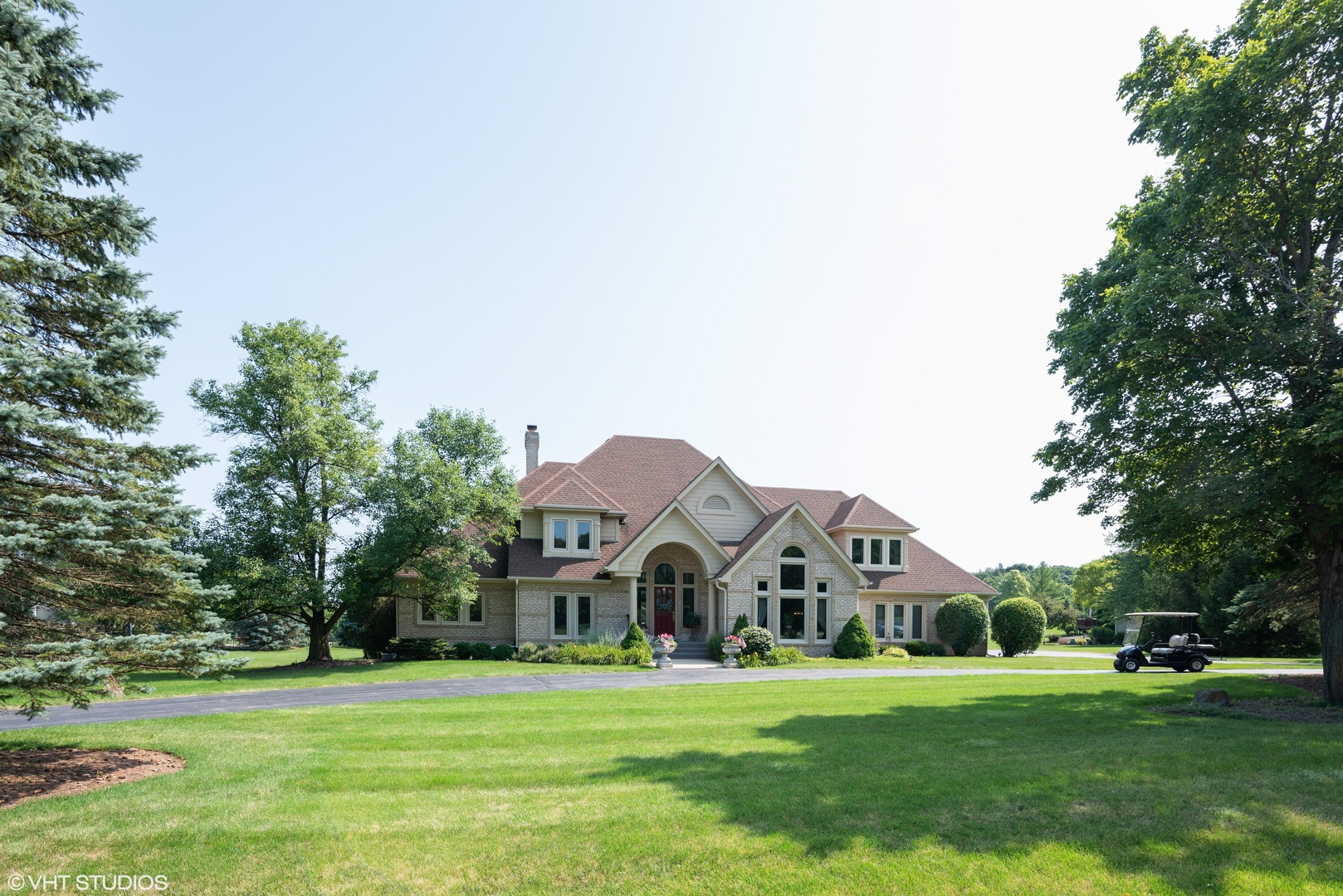 Photo for 37W654 Grey Barn Road, ST. CHARLES, IL 60174 (MLS # 10462892)