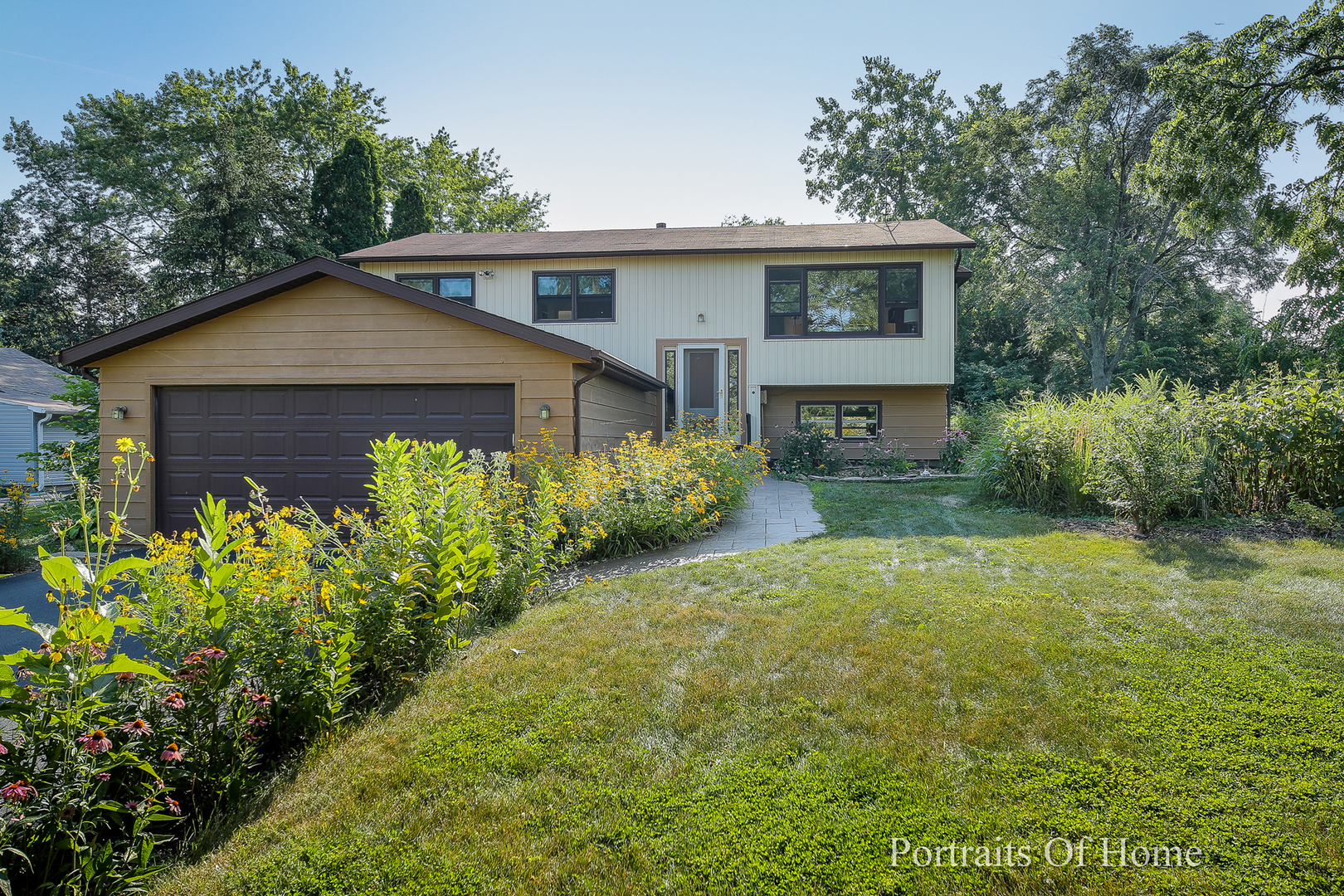 Photo for 4633 Drendel Road, DOWNERS GROVE, IL 60515 (MLS # 10464861)