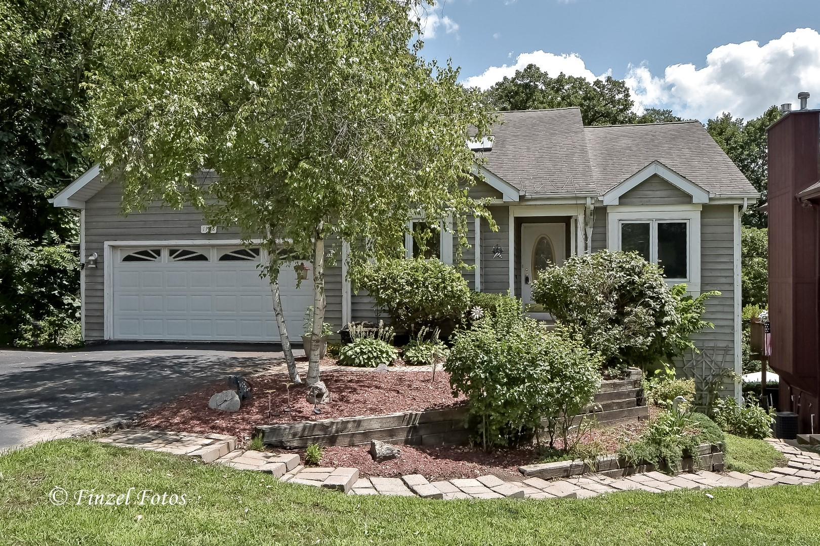 Photo for 1108 Burr Street, LAKE IN THE HILLS, IL 60156 (MLS # 10469066)