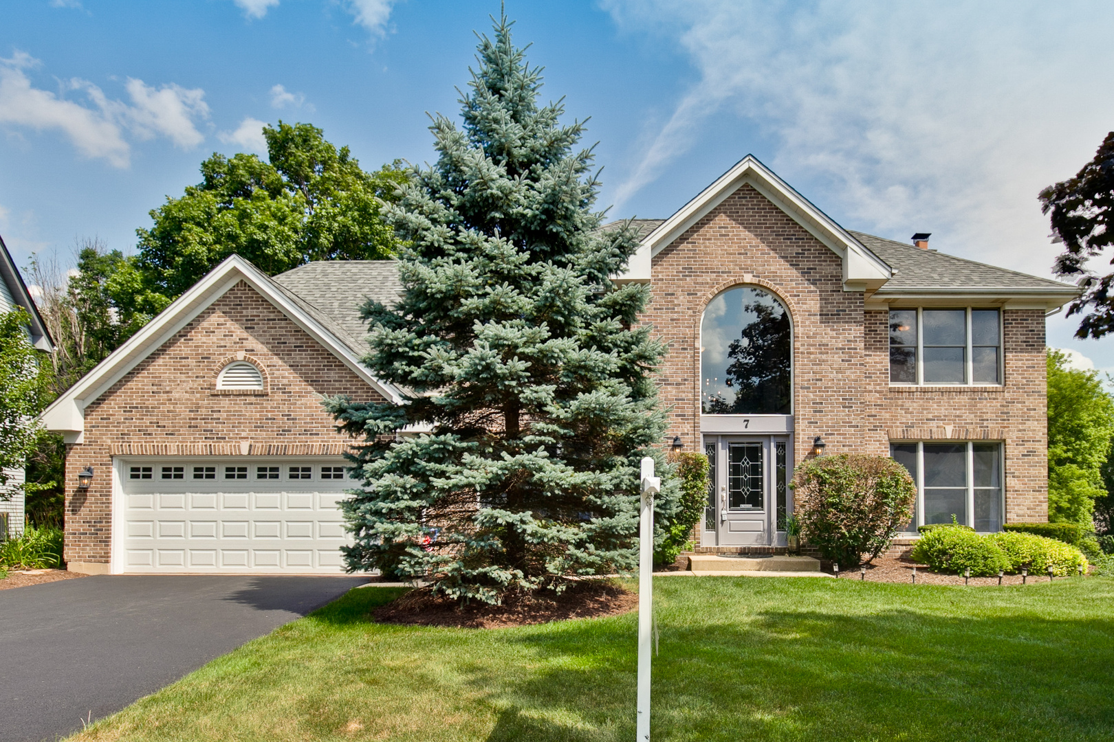 Photo for 7 Fernwood Court, CARY, IL 60013 (MLS # 10477191)