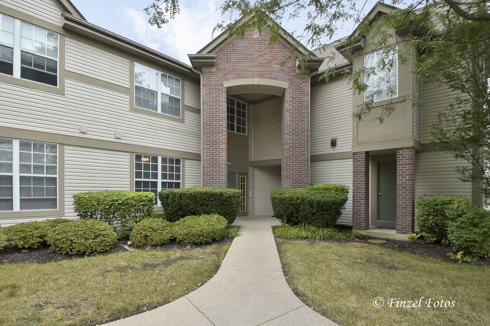 Photo for 1694 Carlemont Drive, Unit Number A, CRYSTAL LAKE, IL 60014 (MLS # 10477386)