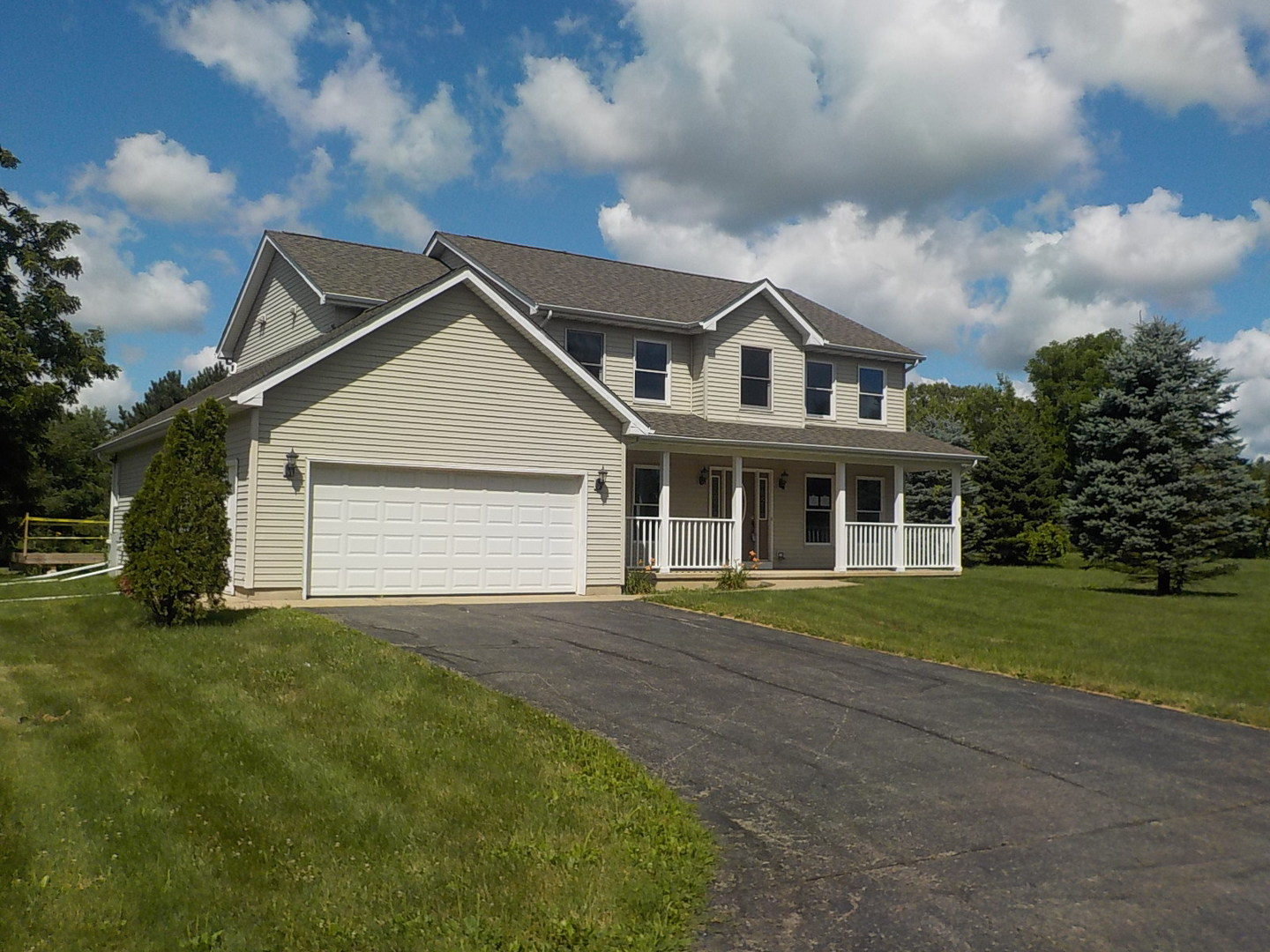 Photo for 3903 N Il Route 47, Woodstock, IL 60098 (MLS # 10483312)