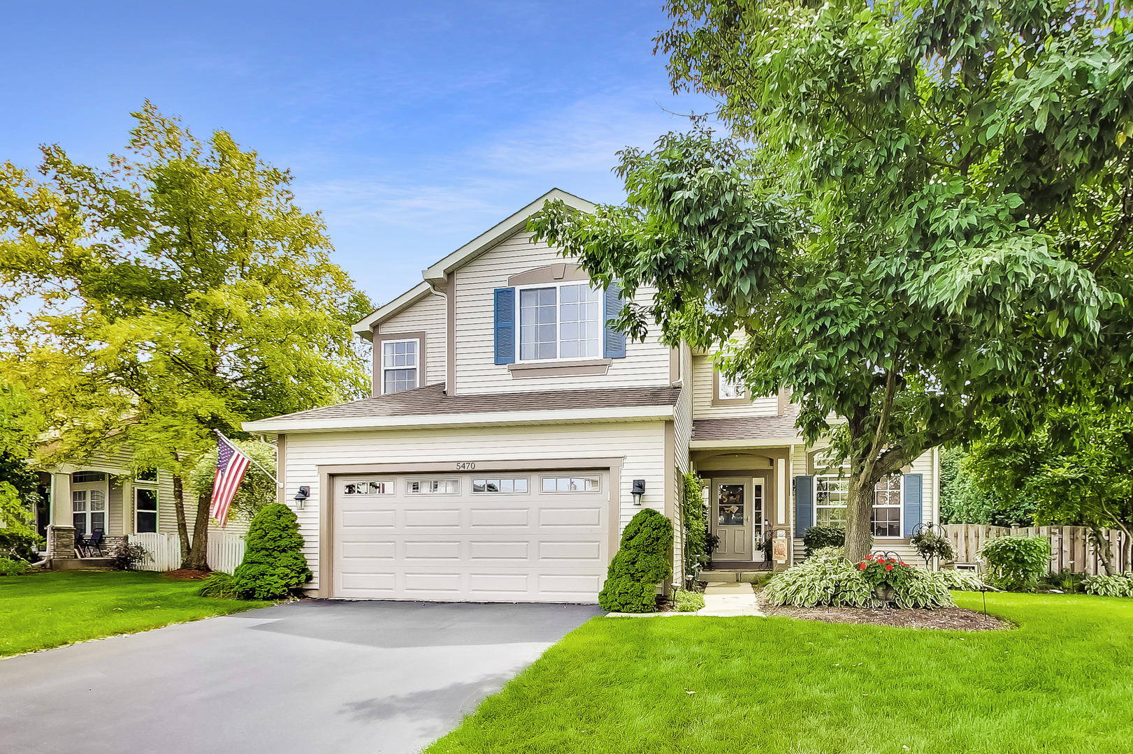 Photo for 5470 Sullivan Pass, Lake in the Hills, IL 60156 (MLS # 10498042)