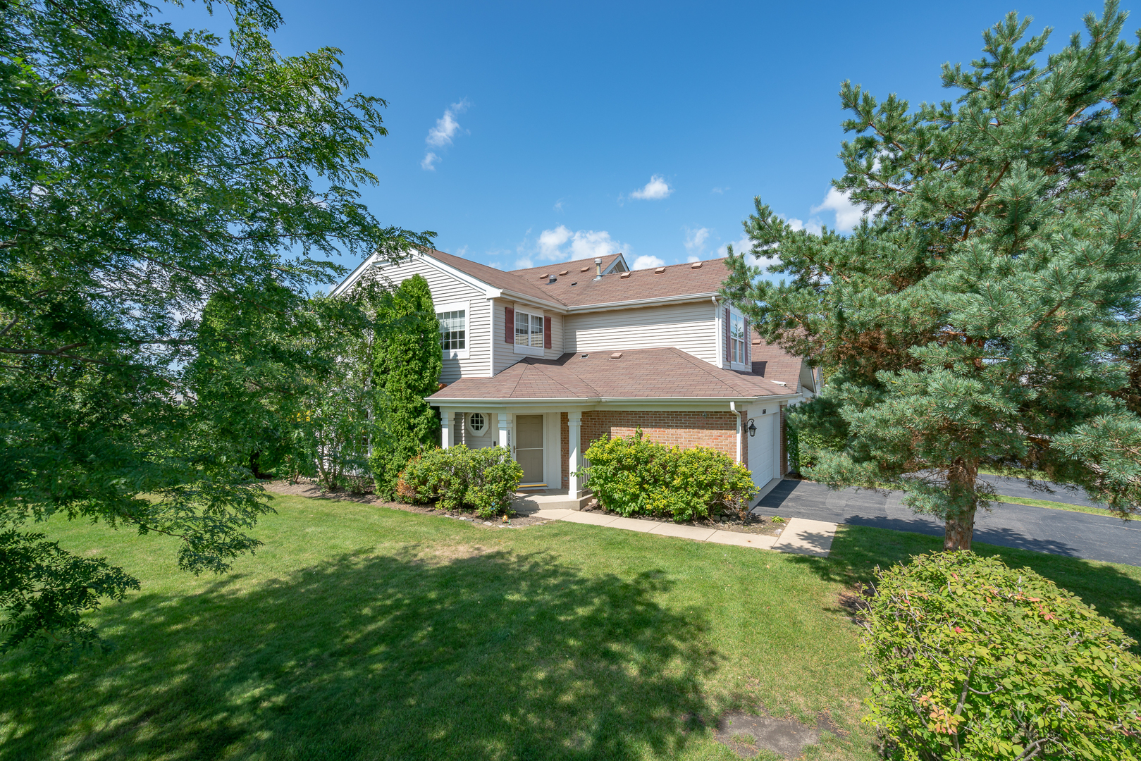 Photo for 11601 Grand Canyon Avenue, Huntley, IL 60142 (MLS # 10499917)