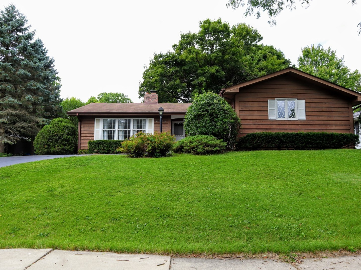 Photo for 338 S Wulff Street, Cary, IL 60013 (MLS # 10509582)