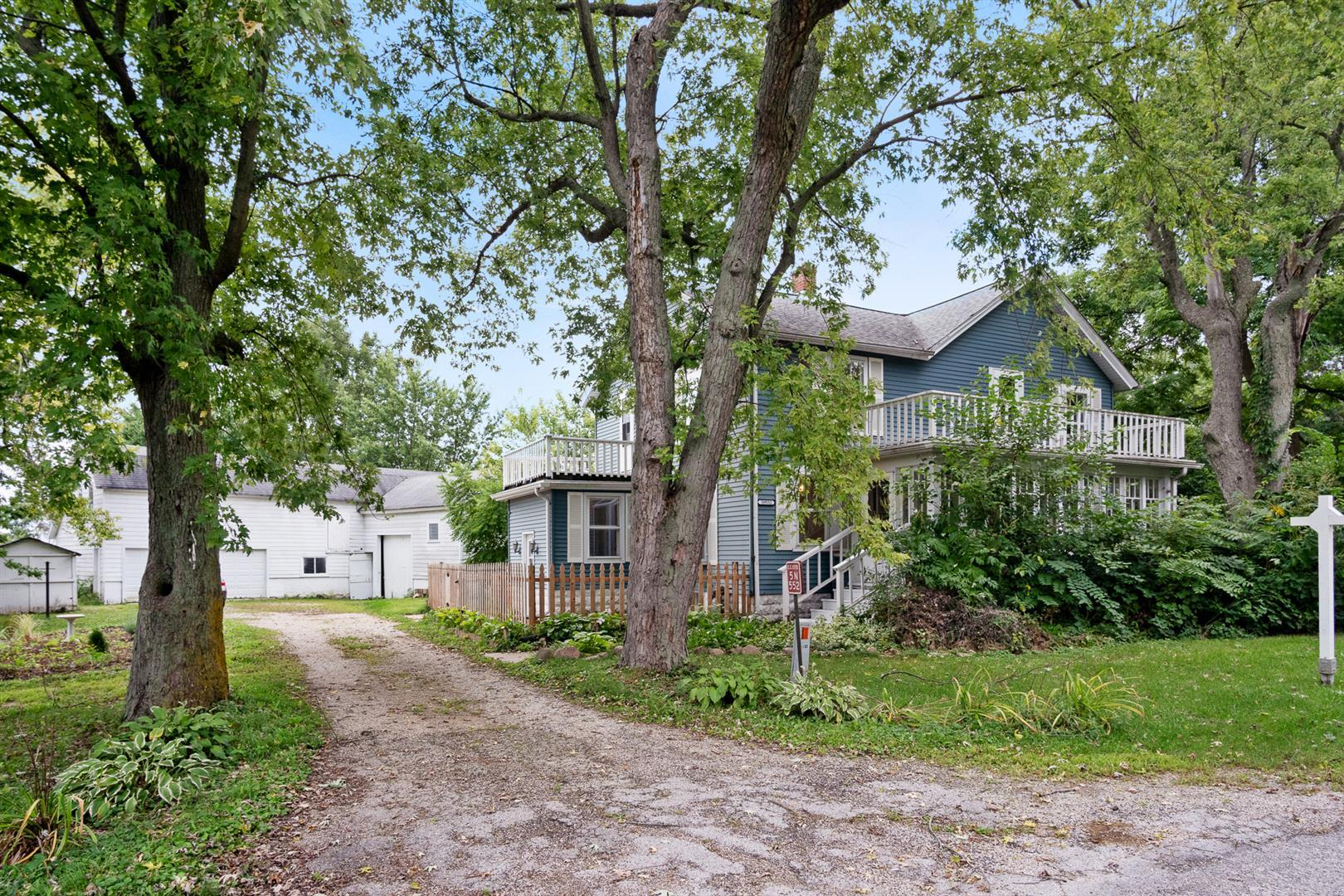 Photo for 5N552 Hanson Road, St. Charles, IL 60175 (MLS # 10510212)