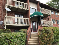 Photo of 880 N Lakeside Drive, Unit Number 1B, VERNON HILLS, IL 60061 (MLS # 10514030)