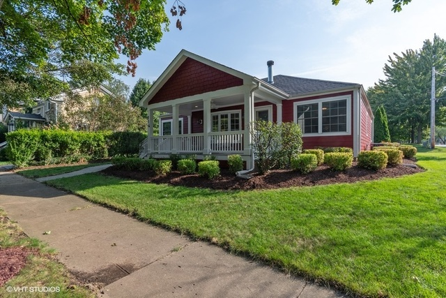 Photo for 716 S 6th Avenue, St. Charles, IL 60174 (MLS # 10514324)