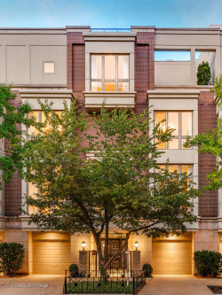 Photo of 104 W Delaware Place, CHICAGO, IL 60610 (MLS # 10516157)