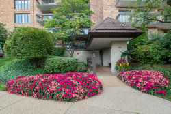 Photo of 3801 Mission Hills Road, Unit Number 305, NORTHBROOK, IL 60062 (MLS # 10516313)