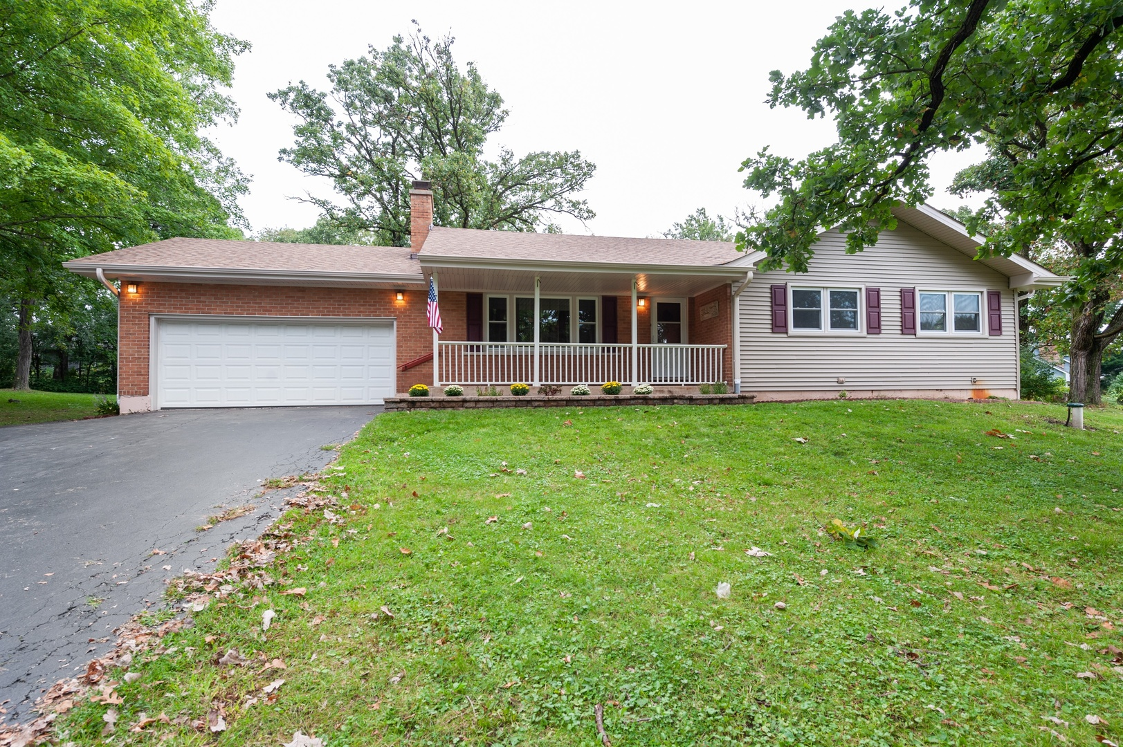 Photo for 701 St Johns Road, Woodstock, IL 60098 (MLS # 10517431)
