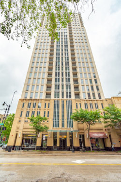 Photo of 1250 S Michigan Avenue, Unit Number 1500, CHICAGO, IL 60605 (MLS # 10519727)