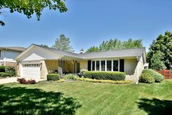 Photo of 1902 E Sherwood Road, ARLINGTON HEIGHTS, IL 60004 (MLS # 10522707)