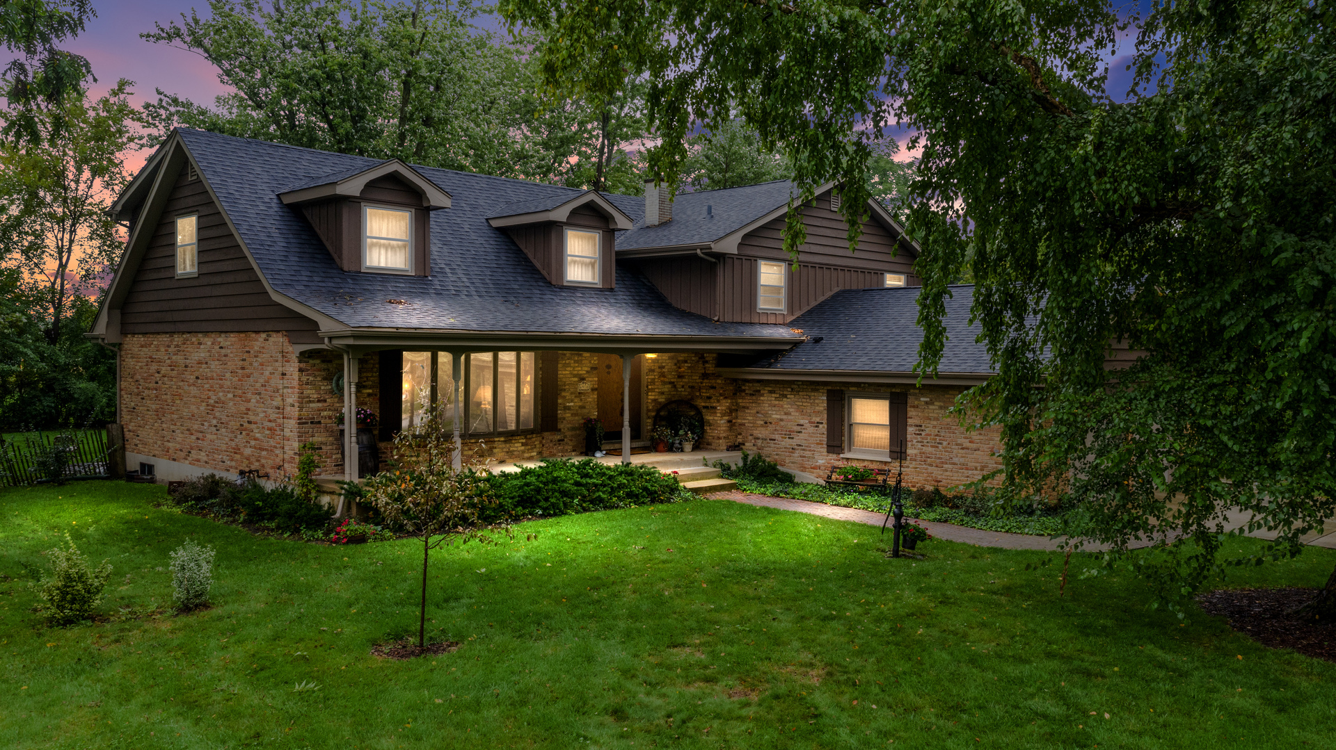Photo for 6910 Webster Street, Downers Grove, IL 60516 (MLS # 10525362)