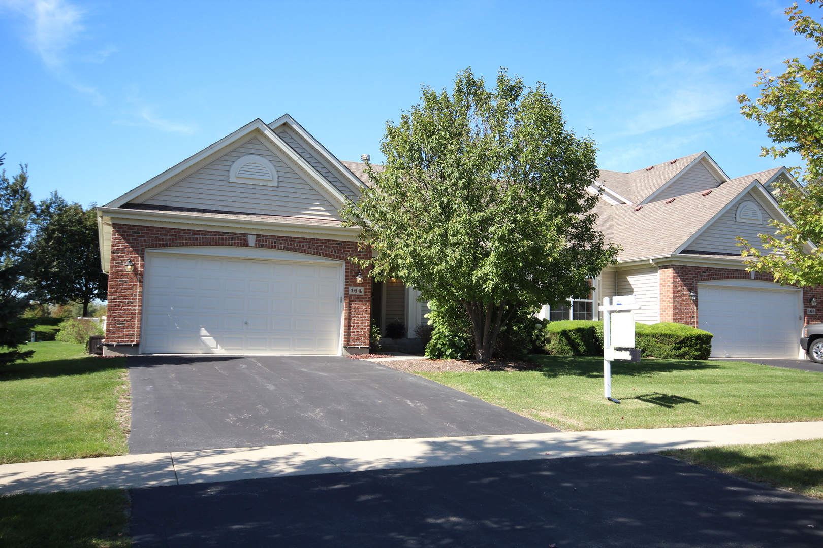Photo for 164 Valencia Parkway, Gilberts, IL 60136 (MLS # 10525926)