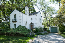 Photo of 1990 Castlewood Road, Highland Park, IL 60035 (MLS # 10526154)