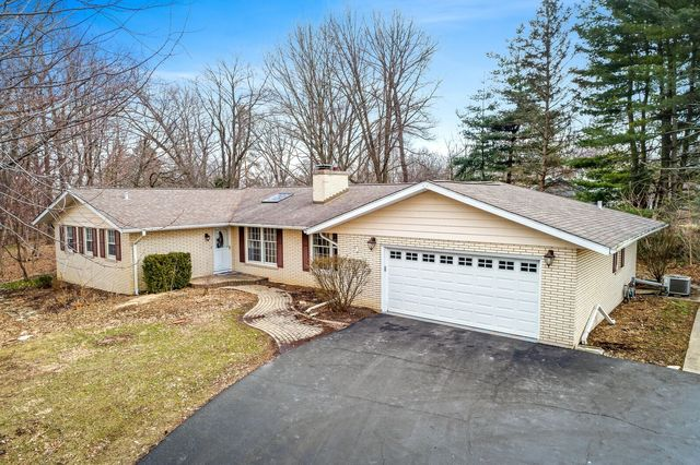 Photo for 36W517 Hickory Hollow Drive, Dundee, IL 60118 (MLS # 10528554)