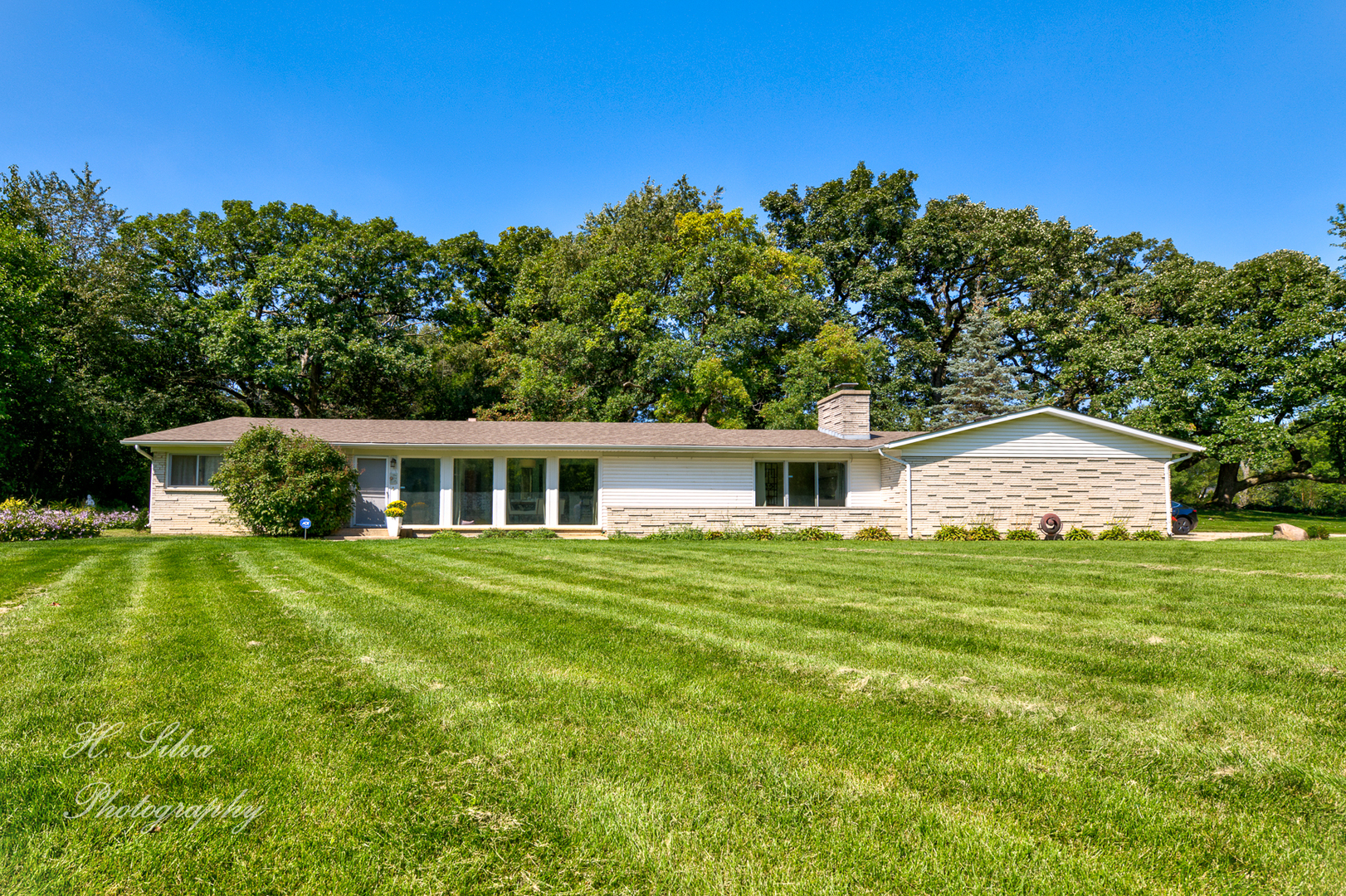 Photo for 36W600 Shady Lane, Dundee, IL 60118 (MLS # 10531705)