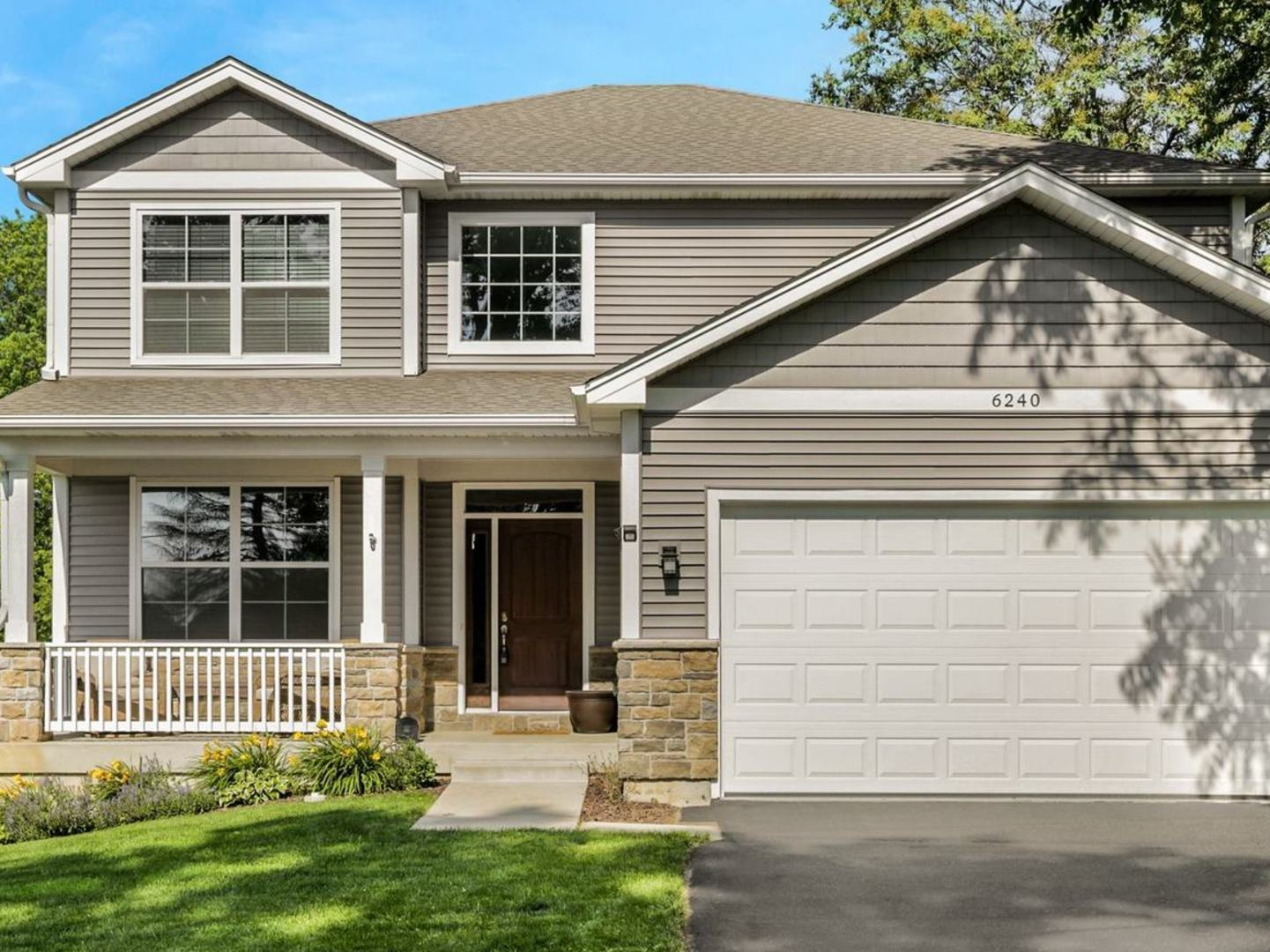 Photo for 6240 Dunham Road, Downers Grove, IL 60516 (MLS # 10535288)