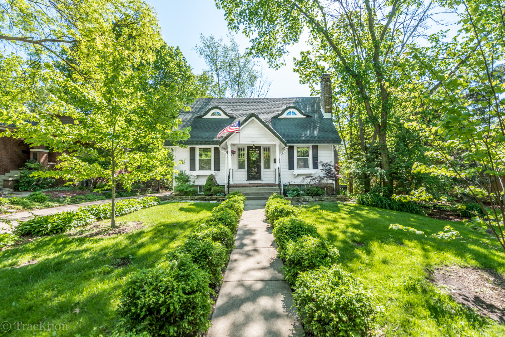 Photo for 4939 Wallbank Avenue, Downers Grove, IL 60515 (MLS # 10537532)