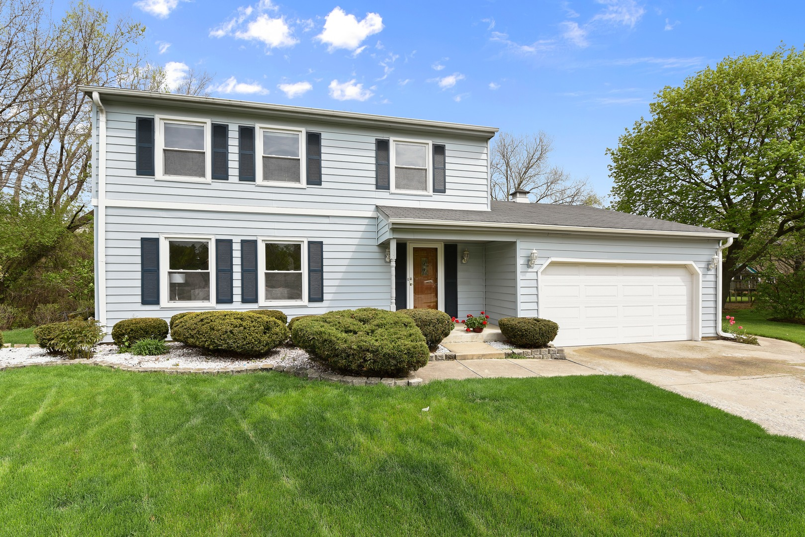 Photo for 1608 Plum Court, Downers Grove, IL 60515 (MLS # 10541254)