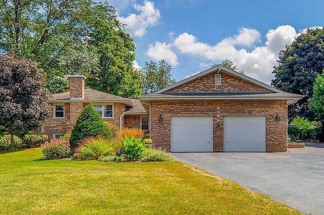 Photo for 6004 Terra Cotta Road, Crystal Lake, IL 60014 (MLS # 10542824)