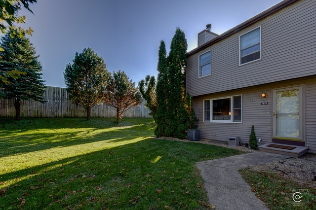 Photo for 1824 Kerrybrook Court, Unit Number 1824, Sycamore, IL 60178 (MLS # 10542893)