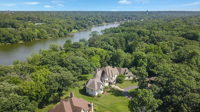 Photo for 6N575 Route 31 Road, St. Charles, IL 60175 (MLS # 10544040)