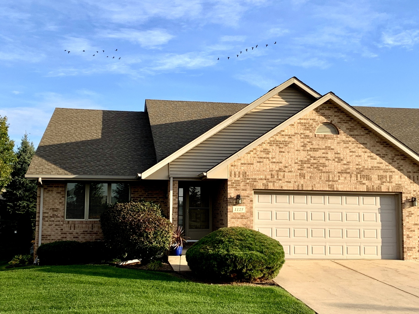 Photo for 1125 Daniel Court, Unit Number 1125, Sycamore, IL 60178 (MLS # 10544321)