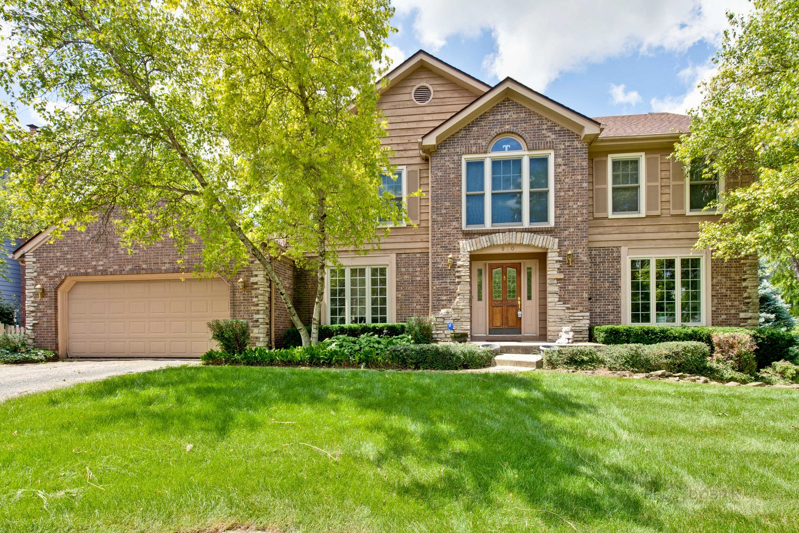 Photo for 920 Crabtree Lane, Cary, IL 60013 (MLS # 10544345)
