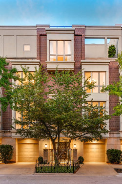Photo of 104 W Delaware Place, Unit Number 104, Chicago, IL 60610 (MLS # 10546718)