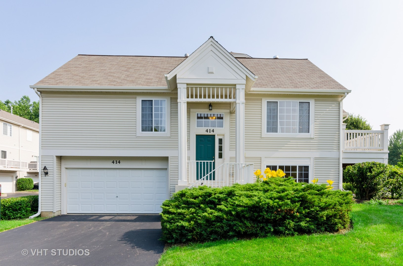 Photo for 414 Cary Woods Circle, Unit Number 0, Cary, IL 60013 (MLS # 10558560)