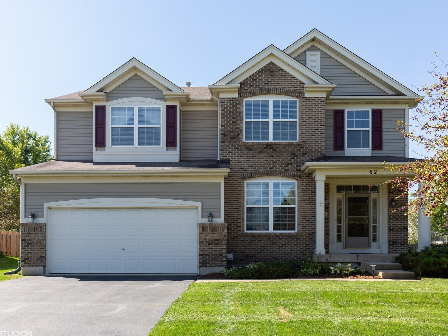 Photo for 62 Meadows Drive, Gilberts, IL 60136 (MLS # 10560662)