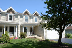 Photo of 534 Orchards Pass, Bartlett, IL 60103 (MLS # 10561186)