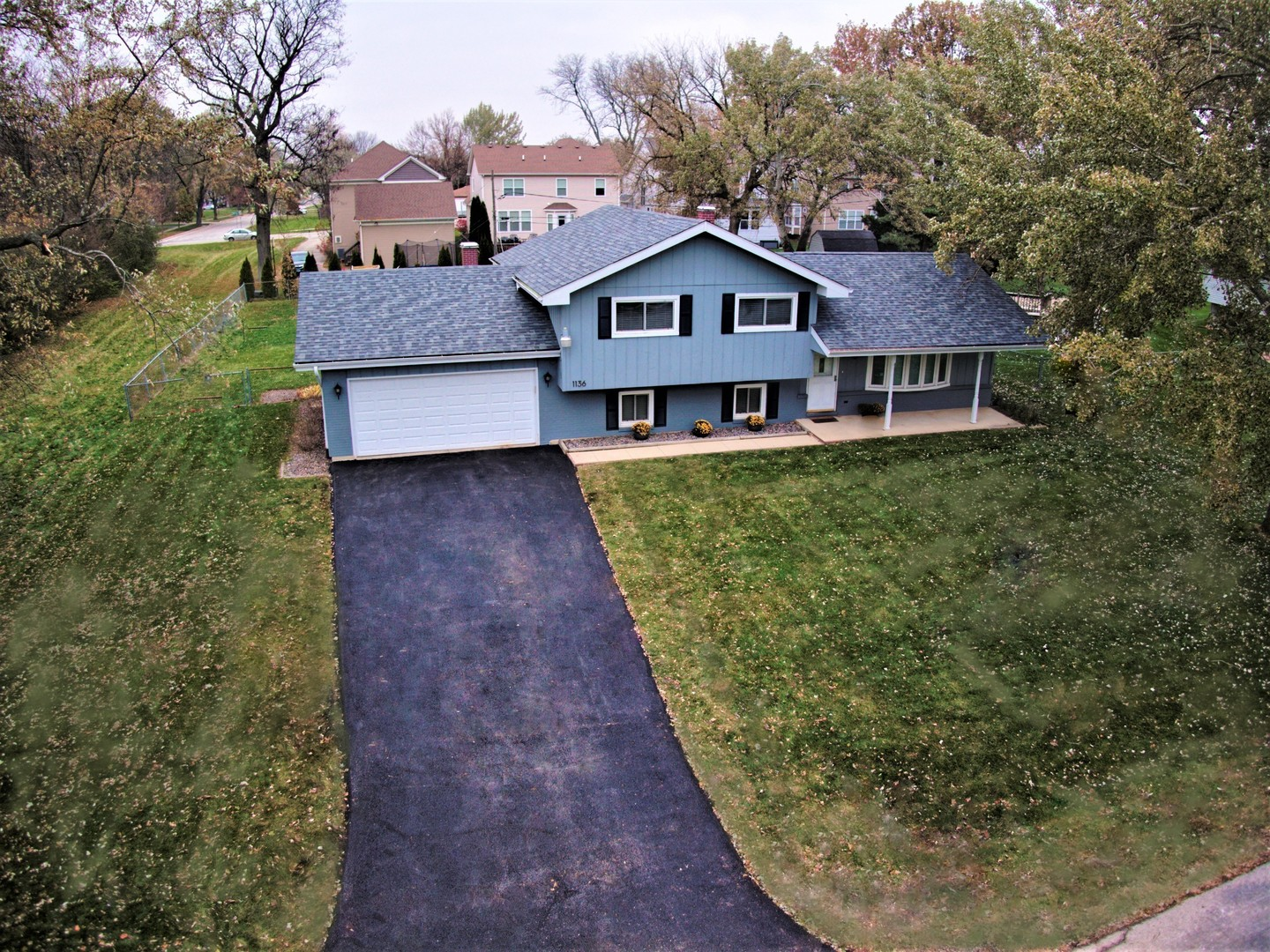 Photo for 1136 Oxford Street, Downers Grove, IL 60516 (MLS # 10562019)