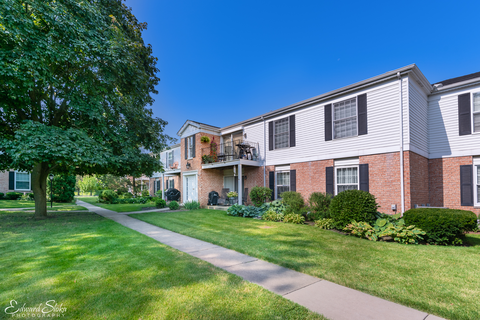 Photo for 983 Golf Course Road, Unit Number 3, Crystal Lake, IL 60014 (MLS # 10564776)