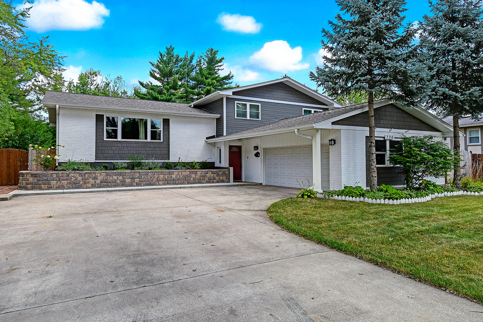 Photo for 736 72nd Street, Downers Grove, IL 60516 (MLS # 10565399)