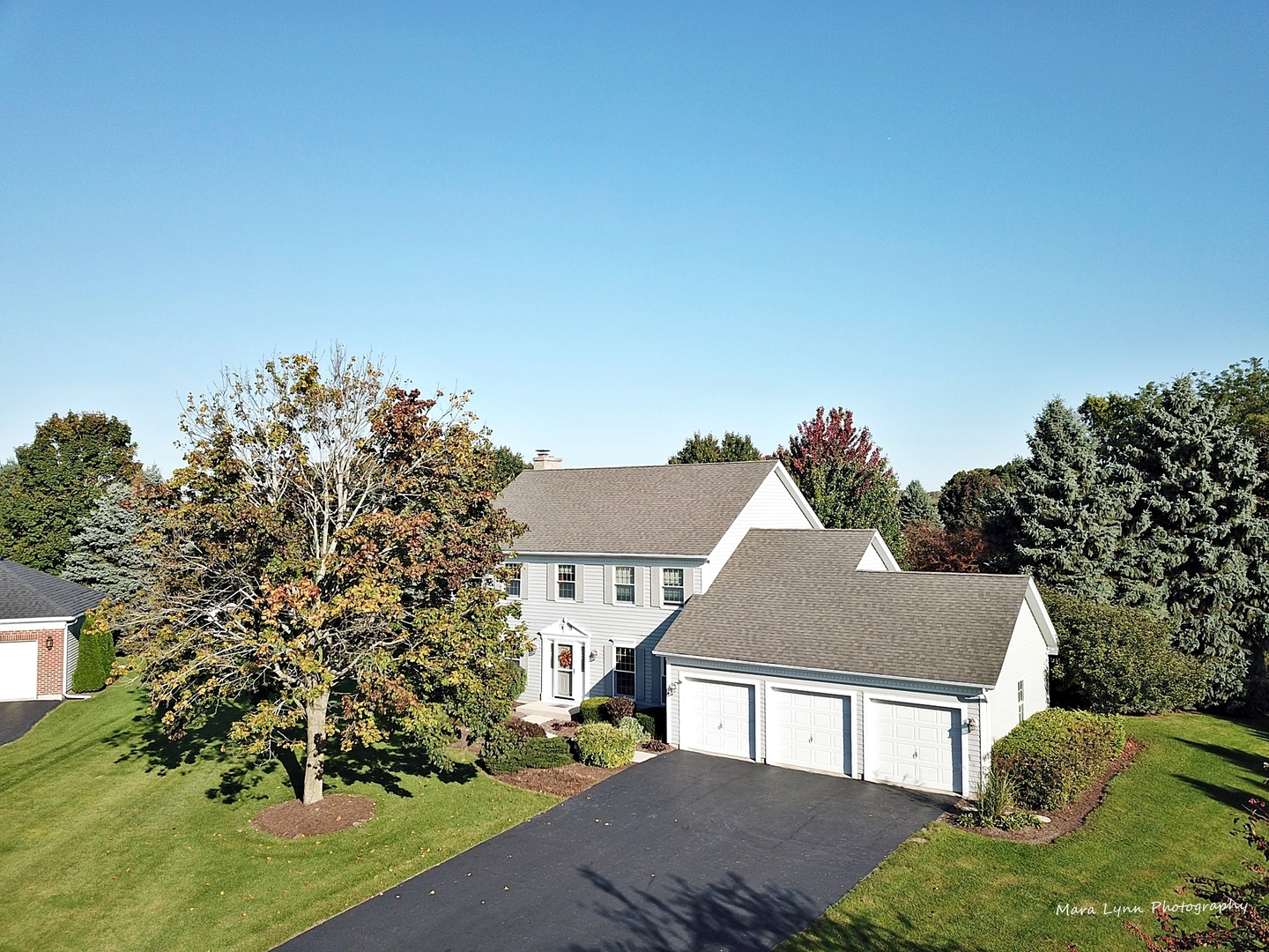 Photo for 39W198 Wyngate Court, St. Charles, IL 60175 (MLS # 10566523)