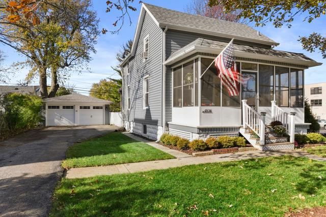 Photo for 4536 Main Street, Downers Grove, IL 60515 (MLS # 10567991)