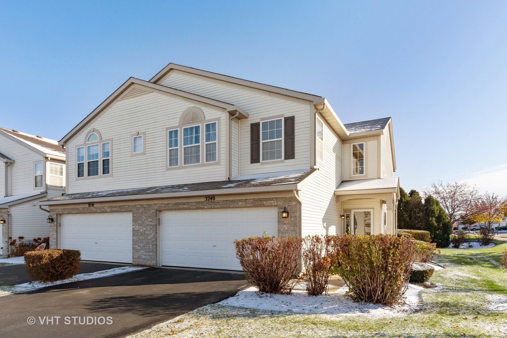 Photo for 3240 Ronan Drive, Lake In The Hills, IL 60156 (MLS # 10569612)