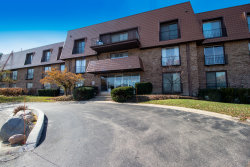 Photo of 4050 Dundee Road, Unit Number 306H, Northbrook, IL 60062 (MLS # 10570832)