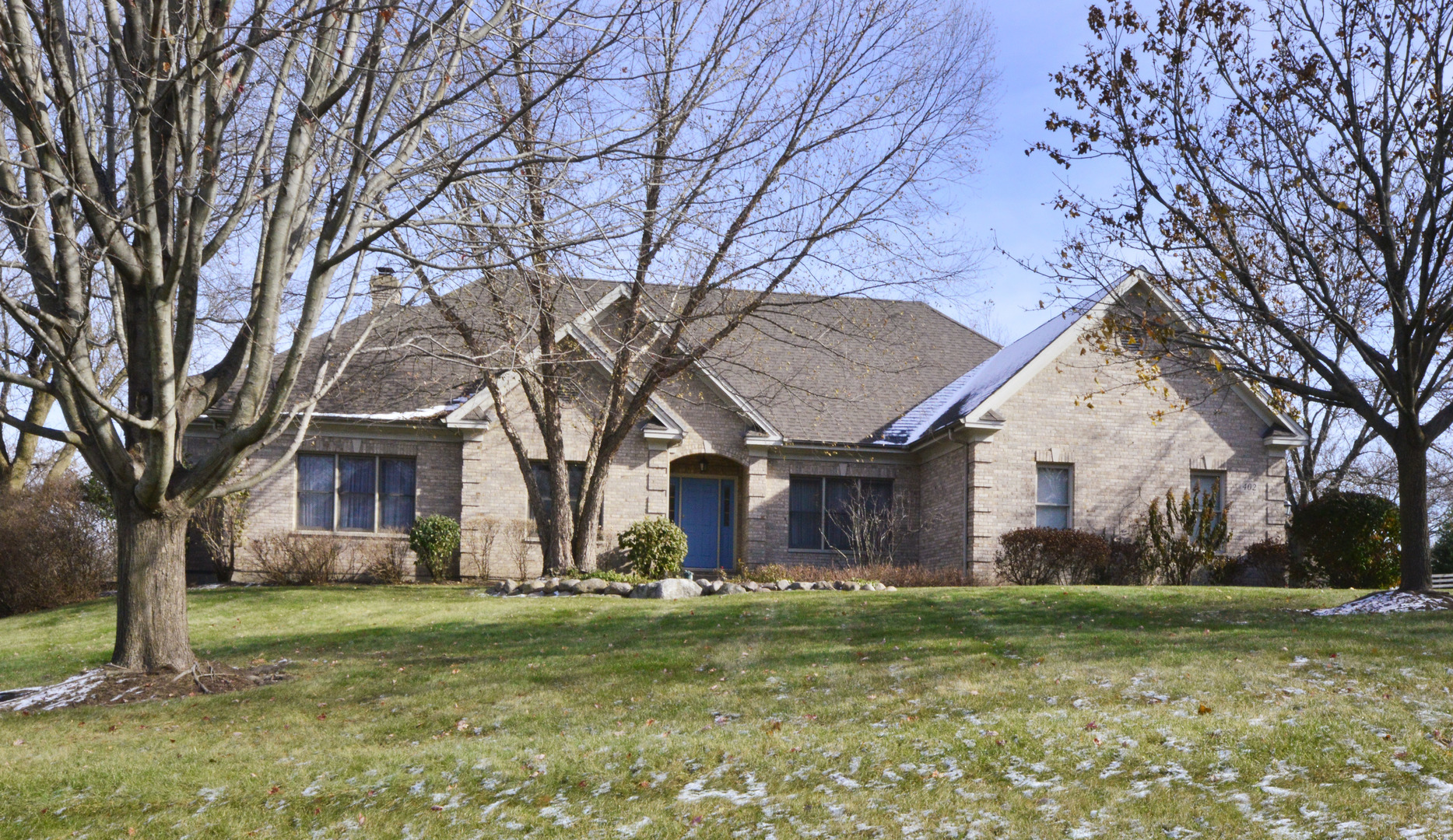 Photo for 402 Cove Drive, Cary, IL 60013 (MLS # 10572076)