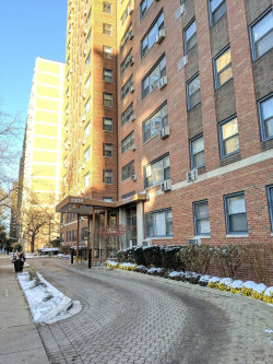Photo of 2909 N Sheridan Road, Unit Number 106, Chicago, IL 60657 (MLS # 10572513)
