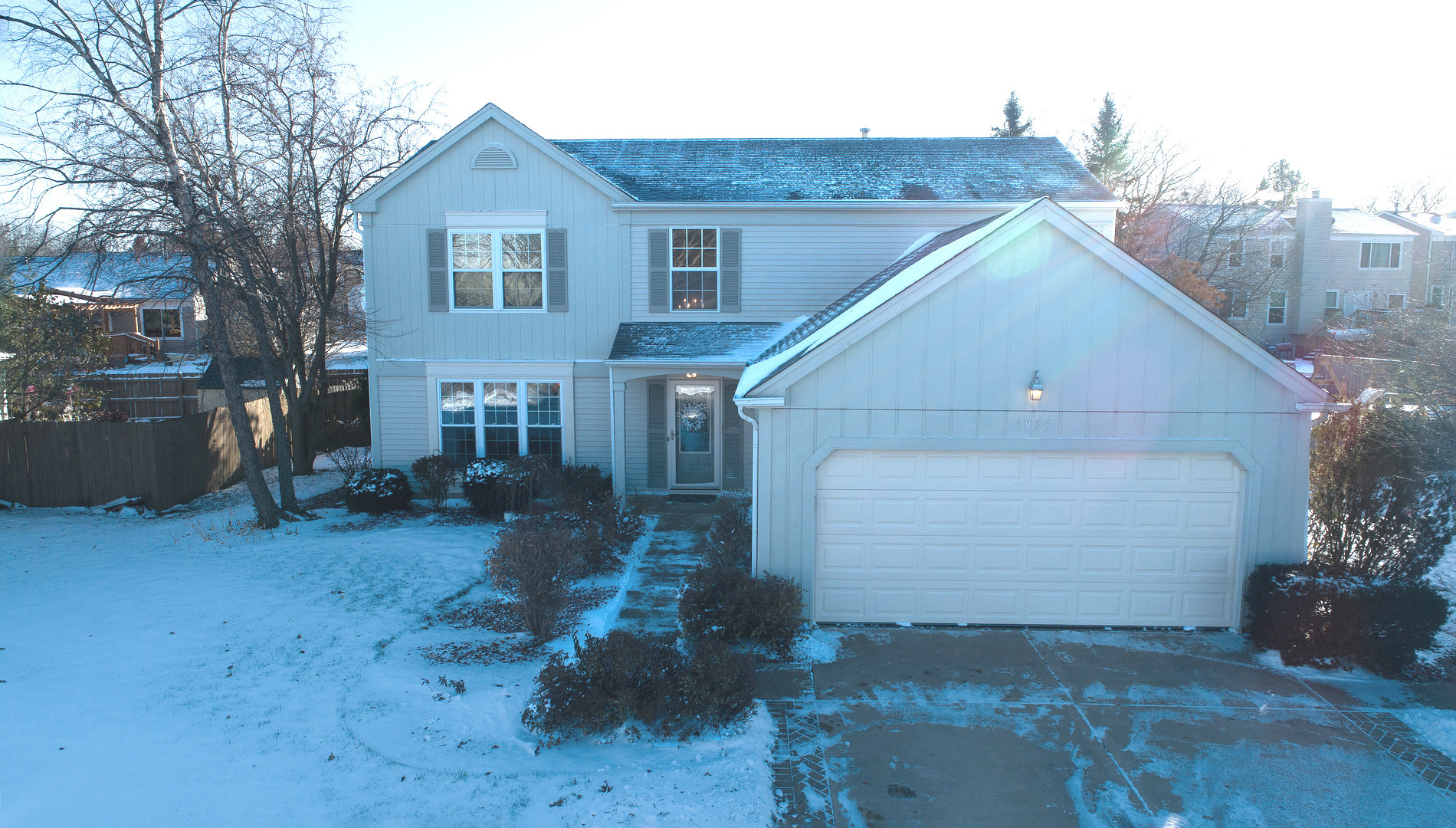 Photo for 1875 College Green Drive, Elgin, IL 60123 (MLS # 10573558)