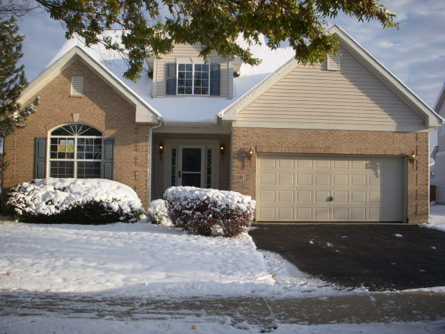 Photo for 1192 Shawford Way, Elgin, IL 60120 (MLS # 10574940)