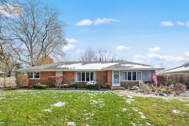 Photo for 4219 Northcott Avenue, Downers Grove, IL 60515 (MLS # 10576612)