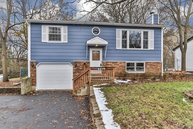 Photo for 6319 Hilly Way, Cary, IL 60013 (MLS # 10577651)
