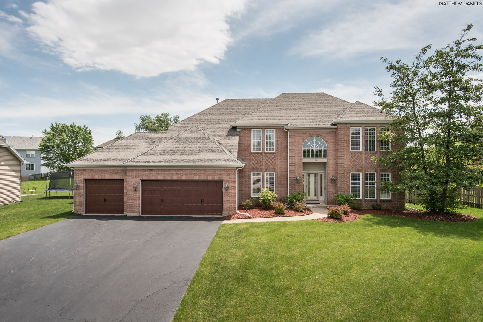 Photo for 1701 Cambria Lane, Algonquin, IL 60102 (MLS # 10578047)