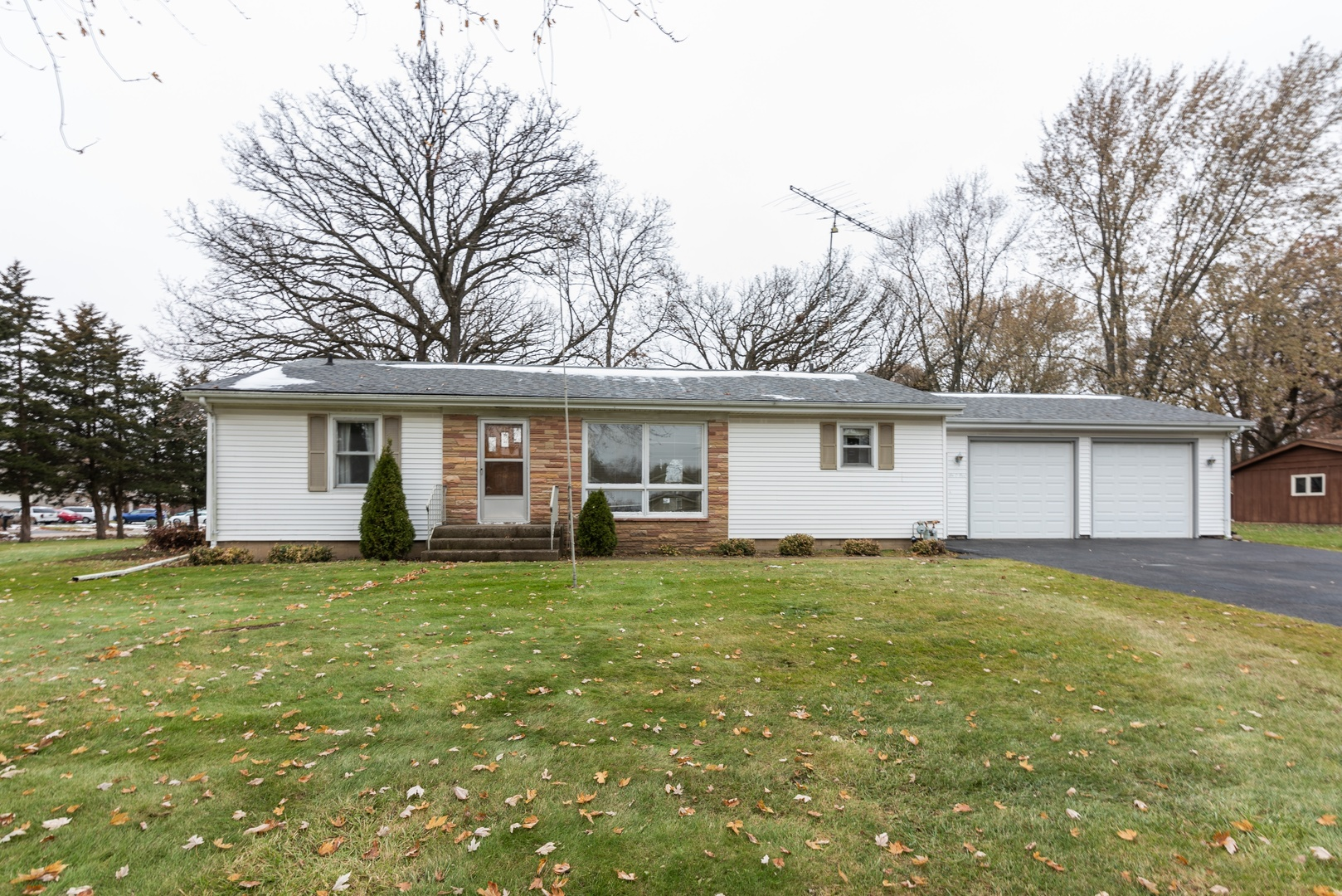 Photo for 605 Saint Johns Road, Woodstock, IL 60098 (MLS # 10578270)