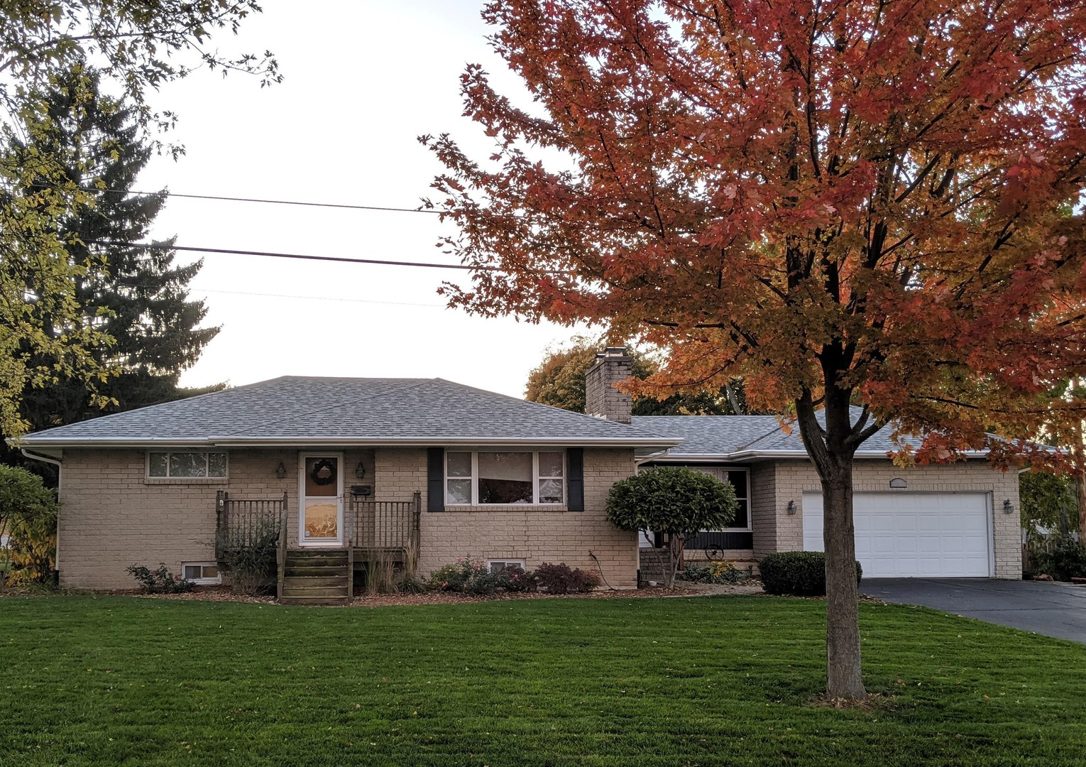 Photo for 15 S 10th Street, St. Charles, IL 60174 (MLS # 10578700)